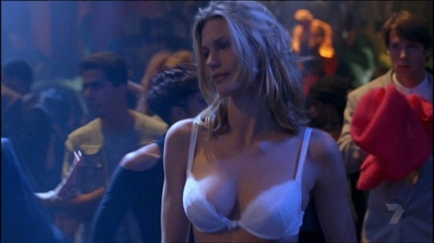 natasha_henstridge_species_1995_J2hufvX.sized