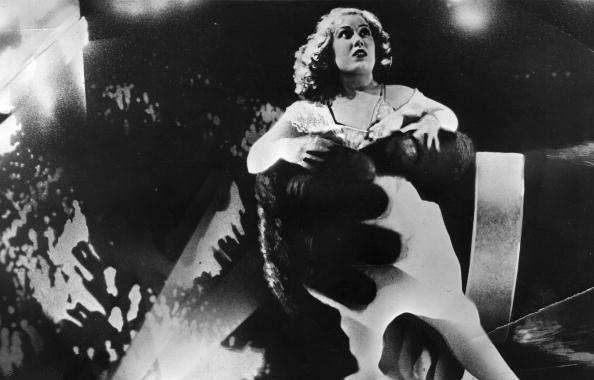 Number 1's: Best Scream Queens – The Main Damie
