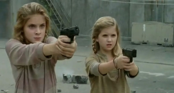 The-Walking-Dead-Lizzie-and-Mika-610x328