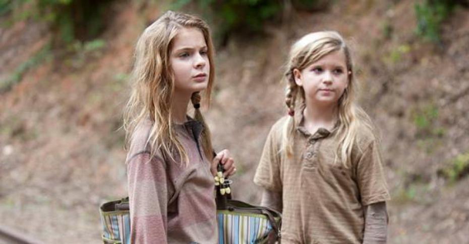 Resultado de imagem para the walking dead lizzie and mika