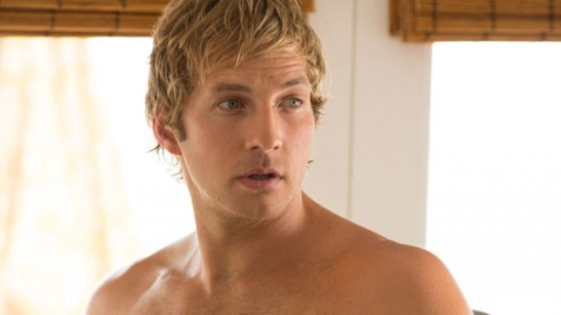 Ryan Hansen does a great job reprising his role as comic relief/jackass Dick Casablancas