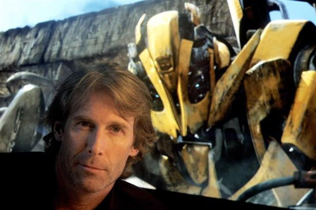 michael-bay-photos-in-movie-transformers-3-1