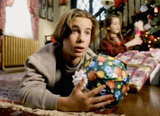 2013-11-15_Yastremsky-90s-christmas-movies_christmas-everyday