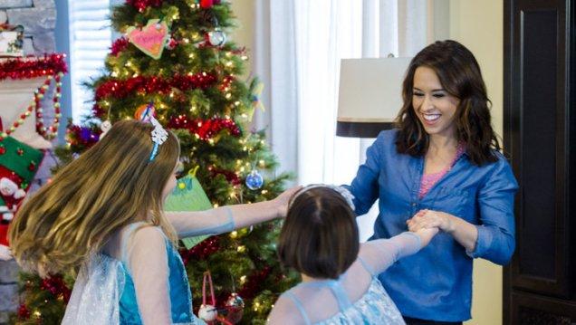 25 Days of Christmas Movies: #14 — Family for Christmas – The Main Damie