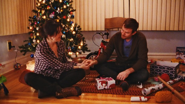 happy-christmas-melanie-lynskey-joe-swanberg