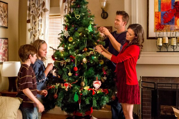 summer-glau-help-for-the-holidays-tv-movie-stills-hq-07