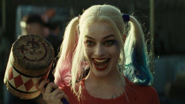 Margot-Robbie-Harley-Quinn-Mallet